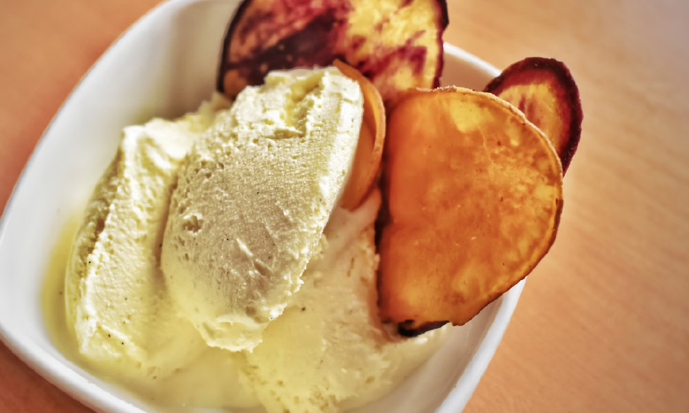 Gourmet vanilla ice cream with andean  sweet potatoes or green plantain chips